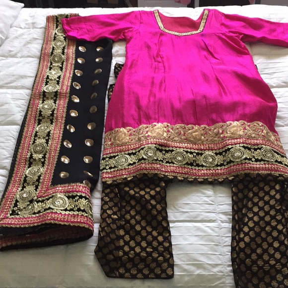 Black & Pink Indian Punjabi Salwar Kameez